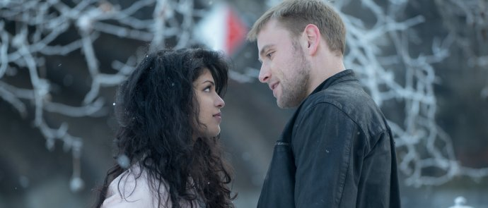 sense8-tina-desai-as-kala-and-max-riemelt-as-wolfgang1